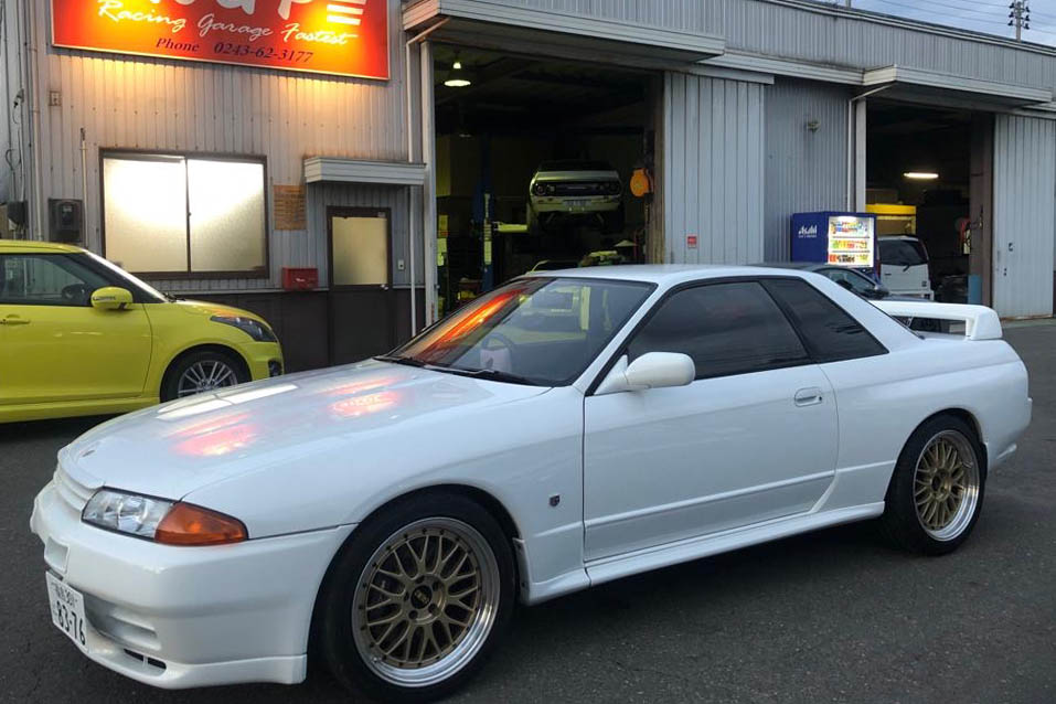 Immaculate BNR32 GTR Vspec 2 with under 50,000 Genuine Kms