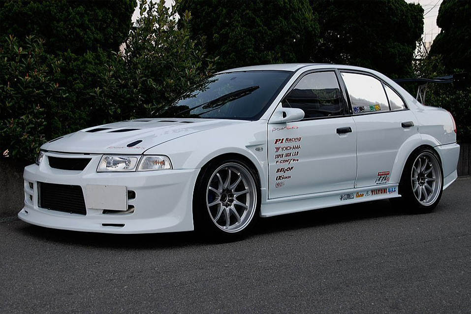 Heavily Modified Mirage with full Tune Evo Running Gear for Time Attack